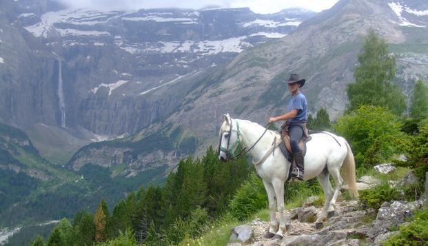 Oferta especial: Escapada con paseo a caballo en el Pirineo Aragonés en Weekendesk por 79.00€