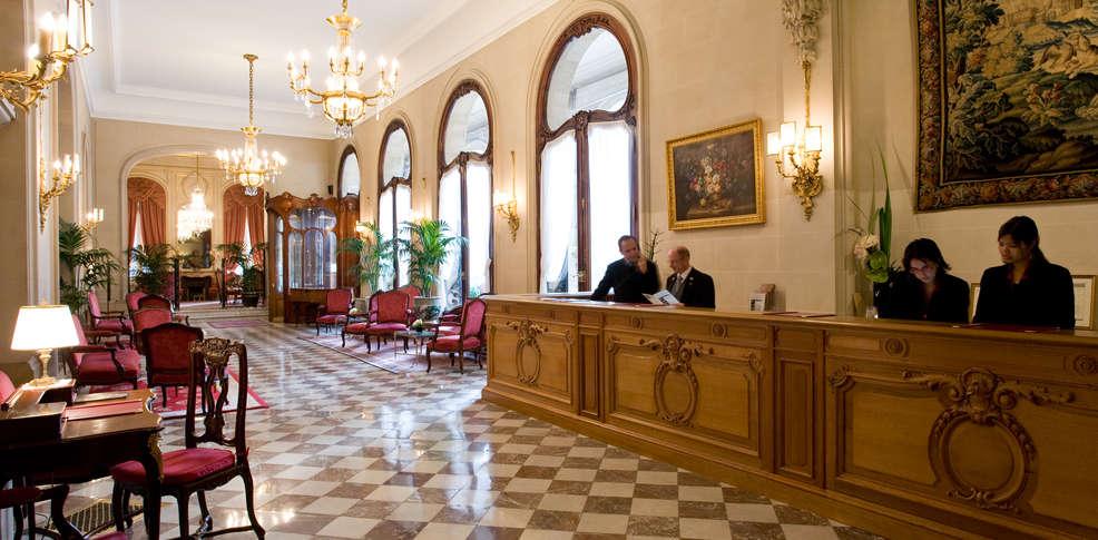 H tel regina paris hotel par s for Reservation hotel a paris gratuit