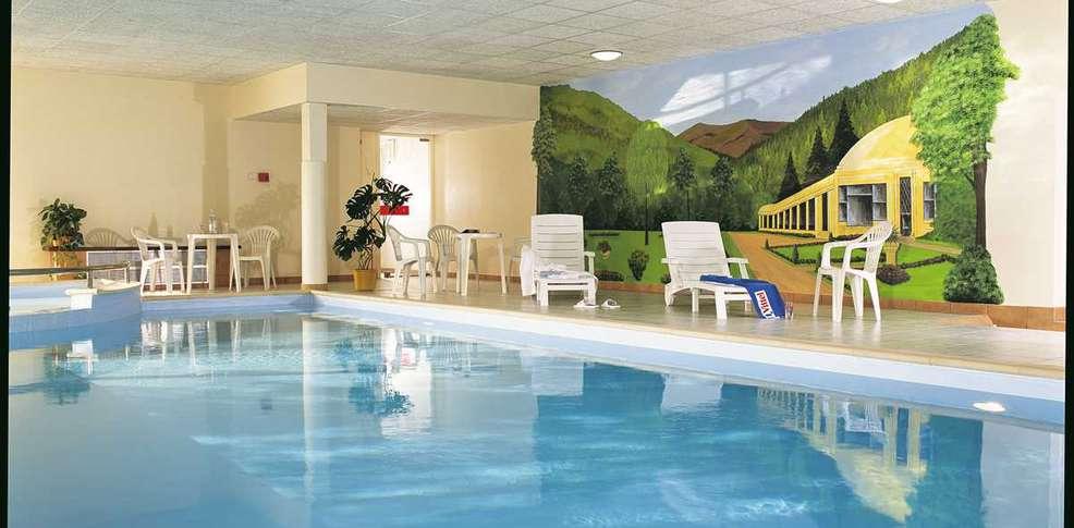Hotel Vittel Piscine