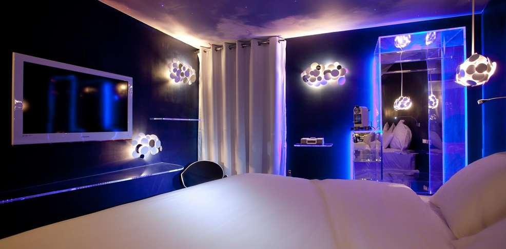 Seven h tel charmehotel parijs for Seven hotel paris booking