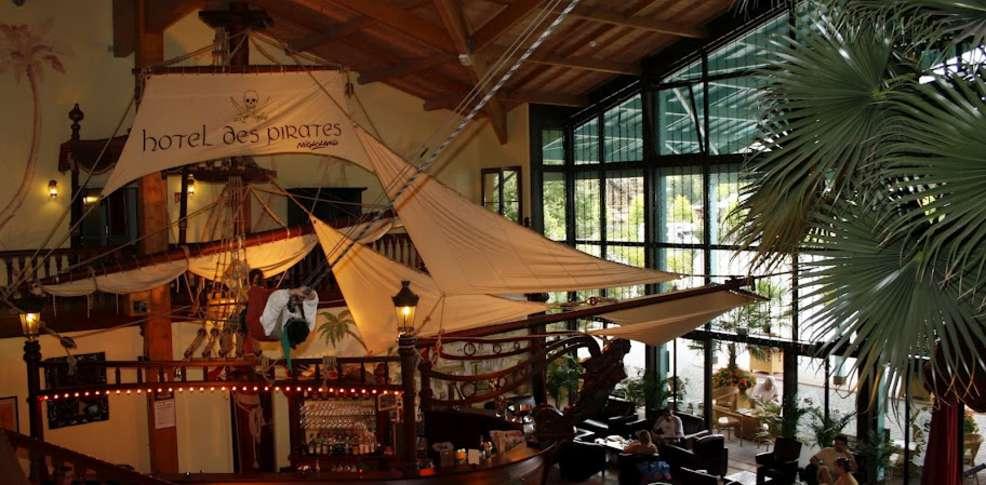 Week end parcs d 39 attractions dolancourt avec entr e au for Restaurant avec parc