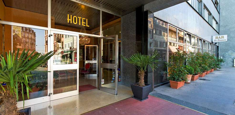 Best western hotel de france by happyculture charmehotel for Hotel de france booking