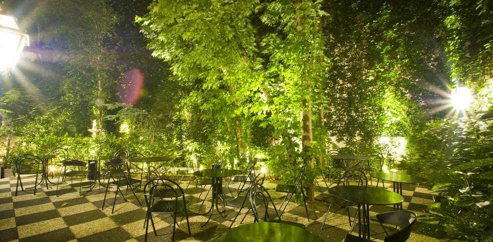 Week end en ville paris avec 1 billet pour la com die - Jardin suspendu brussels montpellier ...