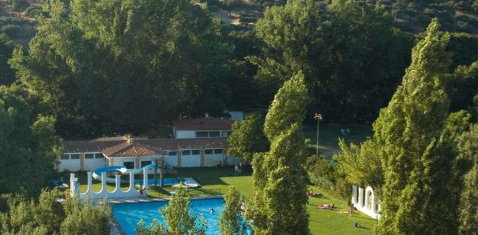 Escapadas fin de semana aire puro y naturaleza plasencia for Hoteles en bilbao con piscina