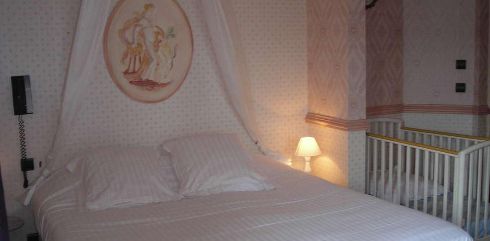 H tel restaurant 1900 charmehotel houlgate - Chambre thema parijs ...
