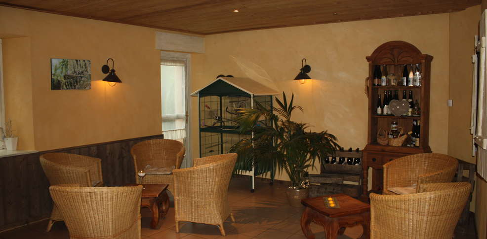 Hotel domaine du haut jardin charmehotel rehaupal 88 for Auberge du haut jardin