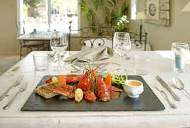 Hôtel  Restaurant et SPA Plaisir -
