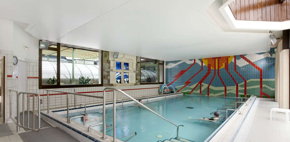 Mercure Sensoria Saint Lary Soulan - Piscine int&eacute;rieure