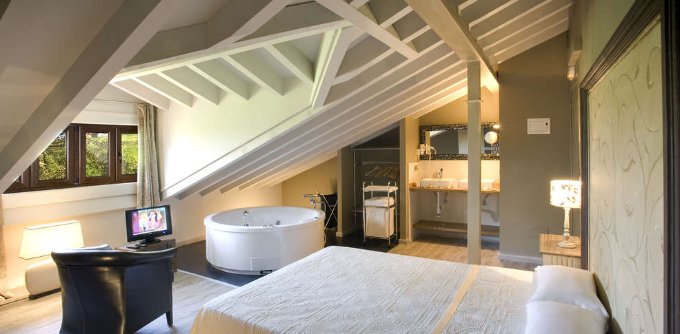 hotel jacuzzi santander: