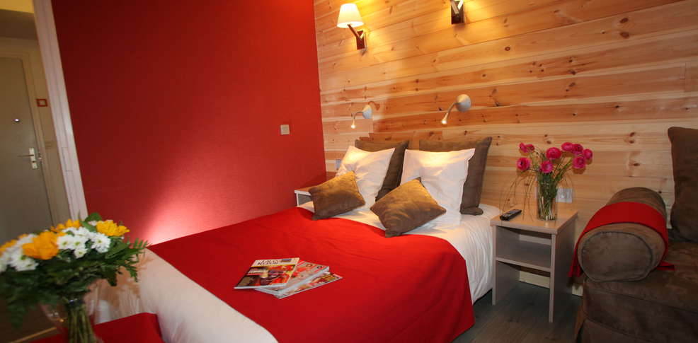 Grand h tel charmehotel saint chaffrey - Chambre thema parijs ...