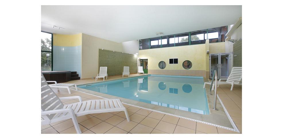 Inter hotel les jardins de l 39 anjou h tel de charme la for Reservation hotel pas chere