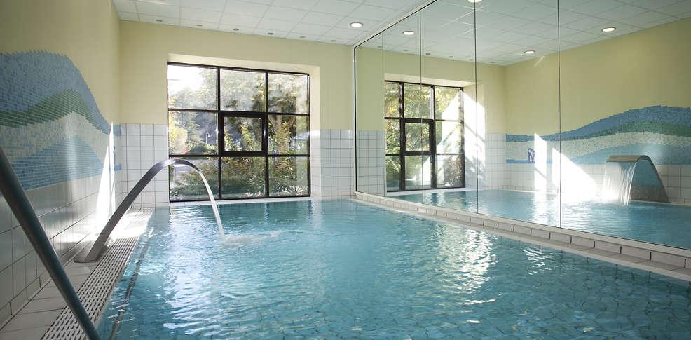 Week end brides les bains 73 offre sp ciale weekend for Hotel piscine interieure paca