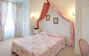 Week-end romantique avec lovebox et champagne dans un château près de Poitiers