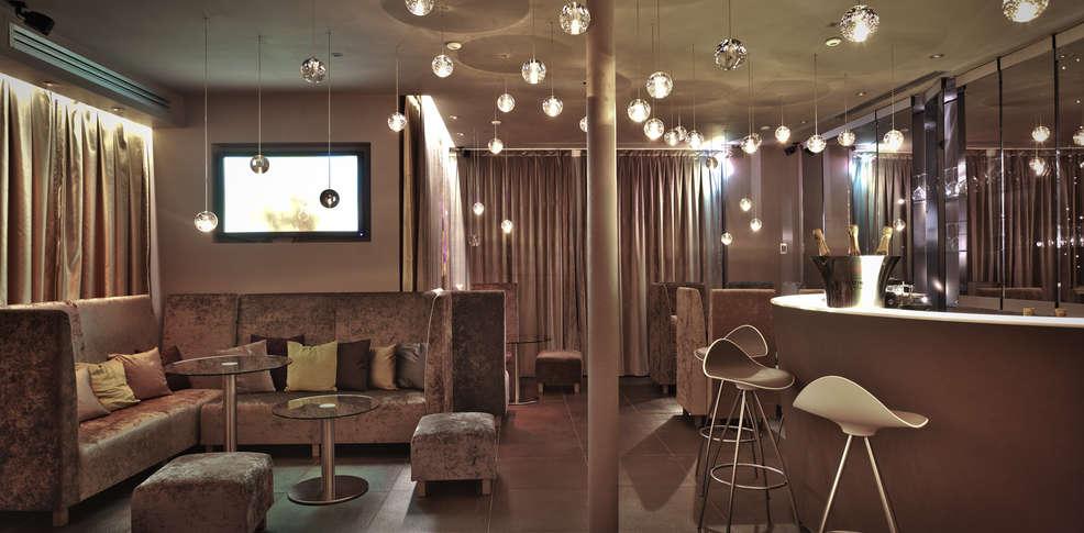 Seven h tel hotel par s for Seven hotel paris booking