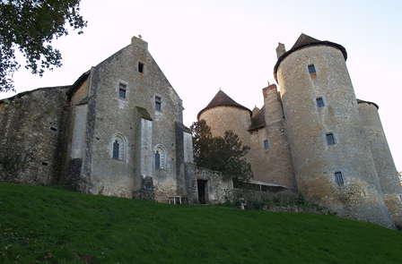 Week-end détente dans un château médiéval à Concremiers