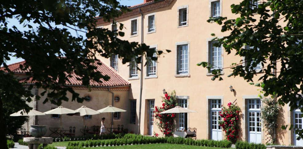 Week end salzuit 43 week end bien tre en auvergne for Au saint roch hotel jardin