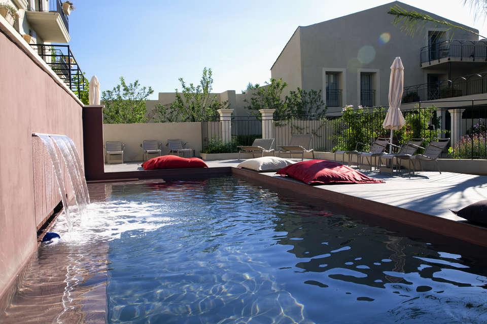 Week end avec d ner pezenas avec d ner 3 plats partir de - Pezenas piscine ...