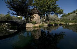 Escapada con acceso al circuíto termal y lago termal (único en Europa) en Alhama de Aragón
