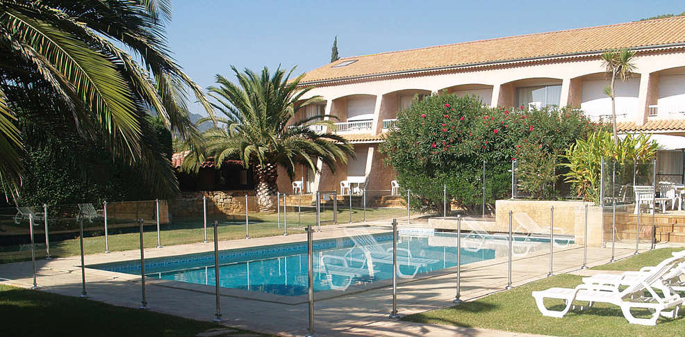 Val 39 h tel for Hotel piscine interieure paca