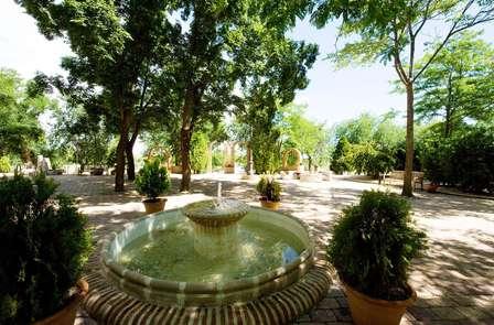 Relajación total con masaje, spa y cena cerca de Valdepeñas (desde 2 noches)