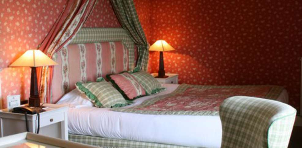 Hotel ch teau de sully charmehotel sully - Chambre thema parijs ...