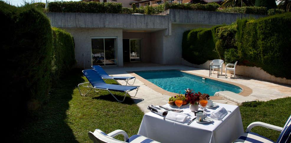 Week end saint paul de vence 06 week end famille avec for Hotel piscine interieure paca