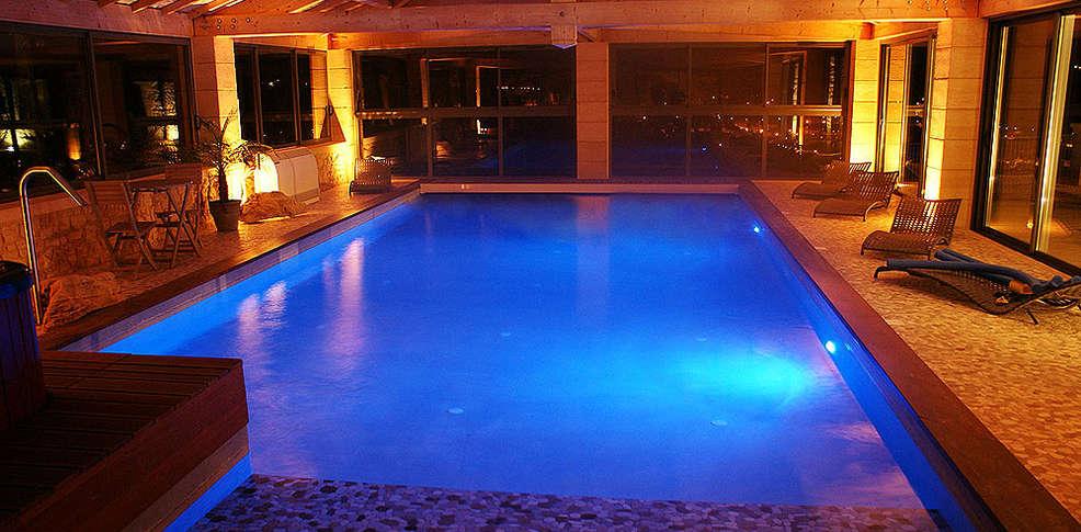 H tel la villa l 39 incontournable h tel de charme sarlat for Voir piscine