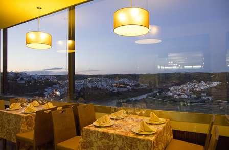 Escapada con Cena romántica en el Mirador de Montoro (desde 2 noches)