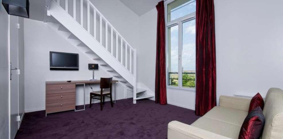 Hotel paxton resort et spa charmehotel ferri re en brie - Chambre thema parijs ...