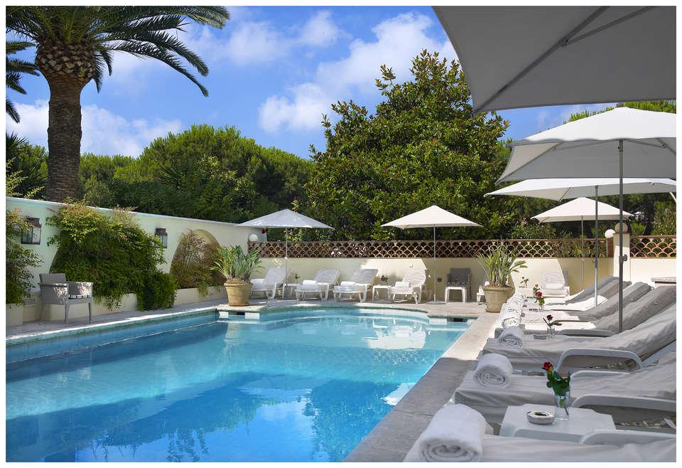 Week end a la mer juan les pins avec acc s la salle de for Hotel piscine interieure paca