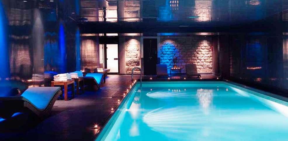 Week end paris 75 week end d tente paris for Hotel piscine interieure paca