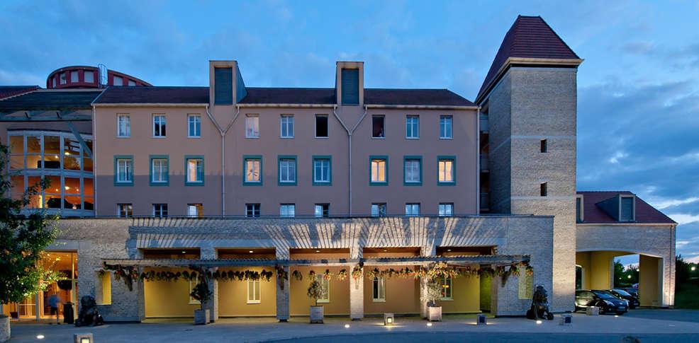 Week end dans les h tels partenaires de disneyland magny for Reservation hotel par mail