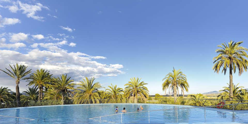 Escapadas fin de semana spa balneario de fortuna con cena for Balneario de fortuna precios piscina