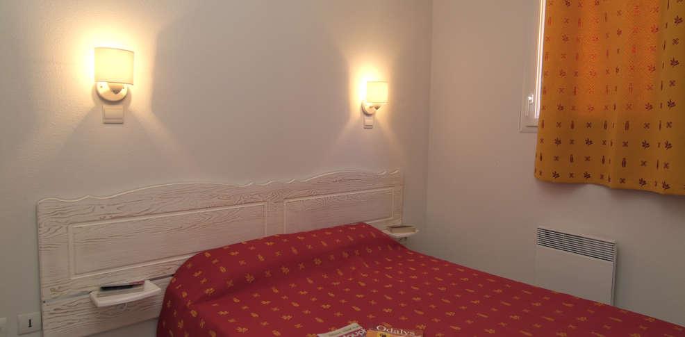 Hotel le domaine des hauts de salavas charmehotel salavas - Chambre thema parijs ...