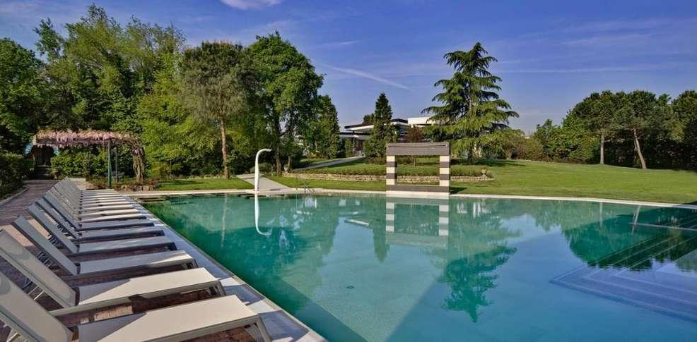 Abano terme hotel 4 stelle mioni pezzato spa centro for Abano terme piscine termali aperte al pubblico