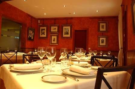 Escapada con Cena gastronómica en el centro de Ávila (desde 2 noches)