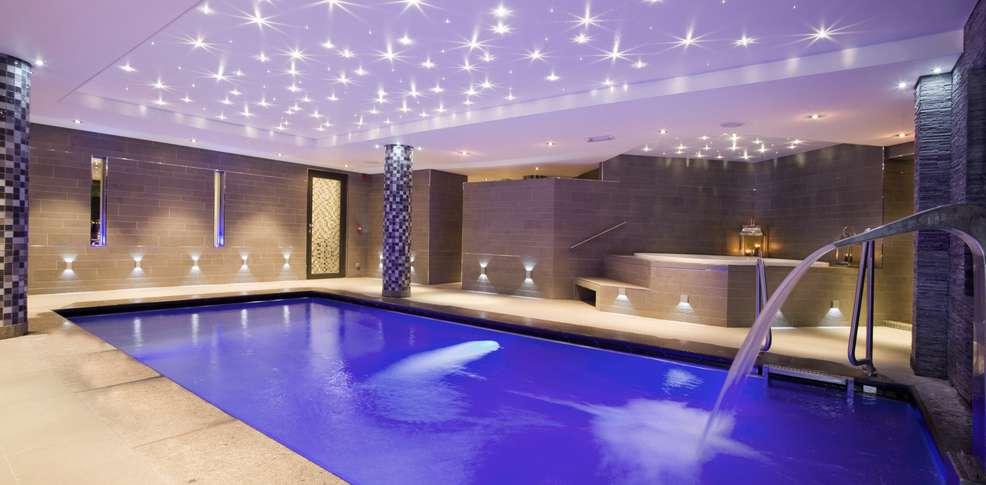 Week end genval week end 5 toiles avec acc s spa for Hotel perpignan avec piscine