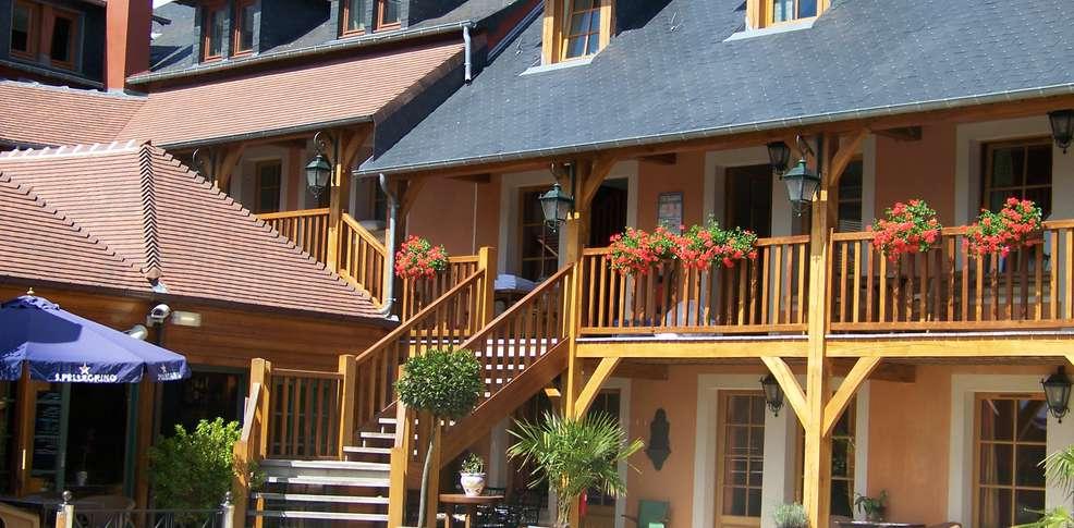 Baño Turco Diferencia Sauna:Hôtel et SPA le Lion d'Or, Hotel Pont-l'évêque