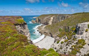 Offre spéciale été: Week-end sur la côte d'Émeraude, hôtel situé à quelques minutes de la plage.