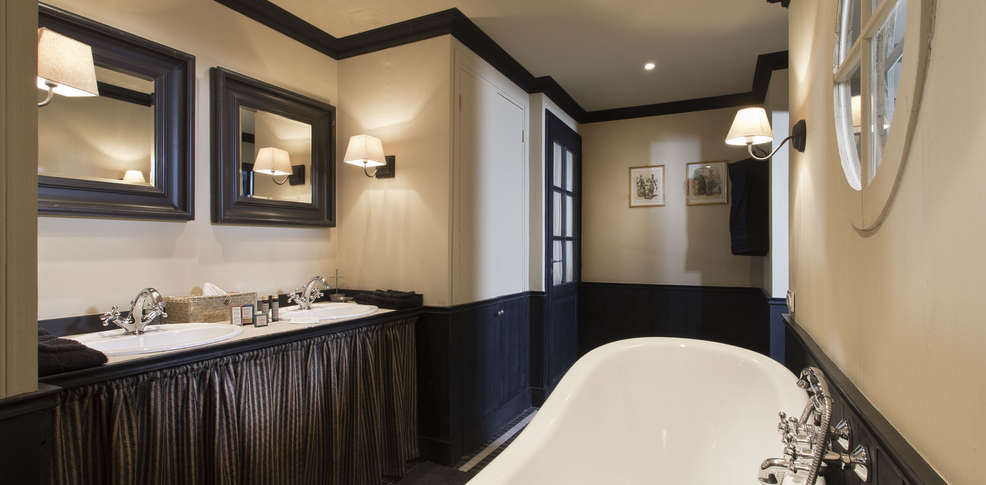 h tel ch teau de courban et spa nuxe h tel de charme. Black Bedroom Furniture Sets. Home Design Ideas