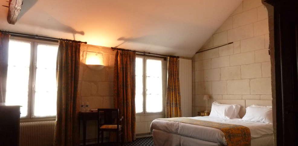 h tel le grand monarque centre h tel de charme azay le rideau. Black Bedroom Furniture Sets. Home Design Ideas