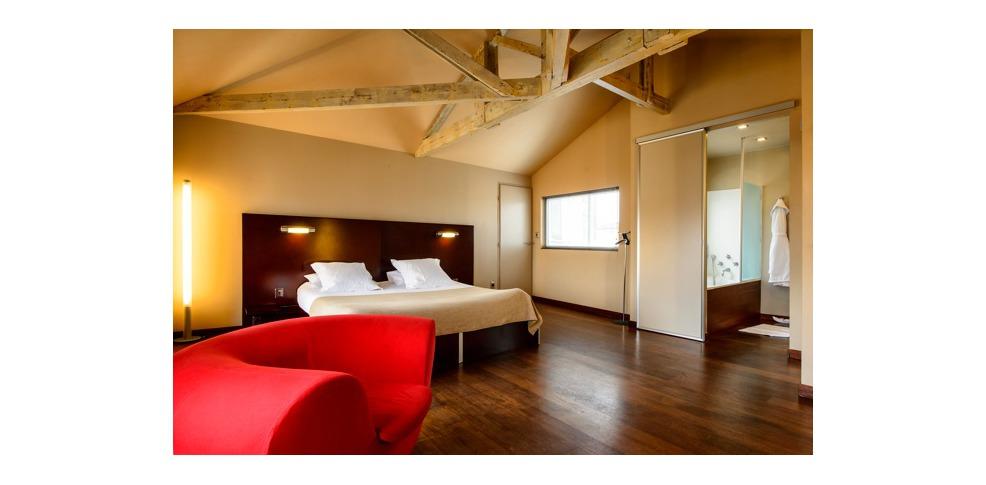 Hotel la maison bord 39 eaux charmehotel bordeaux - Chambre thema parijs ...