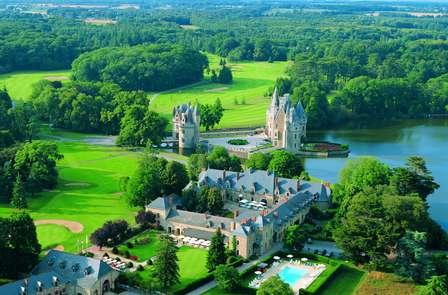 Séjournez dans un domaine hors du commun, entre château du XVe siècle et arbres centenaires