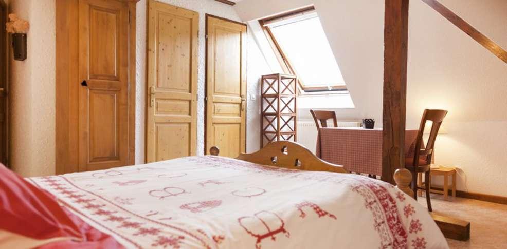 Hotel chambre d 39 h tes la montagne verte charmehotel labaroche - Chambre thema parijs ...