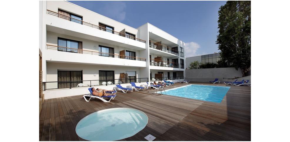 Appart 39 h tel odalys archipel h tel de charme la rochelle for Appart hotel montpellier avec piscine