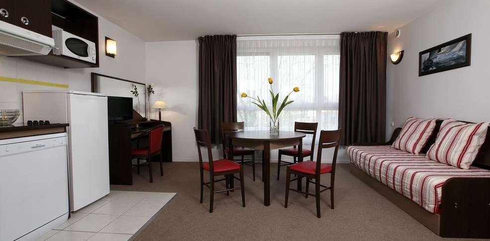h tel comfort suites annecy seynod h tel de charme seynod 74. Black Bedroom Furniture Sets. Home Design Ideas