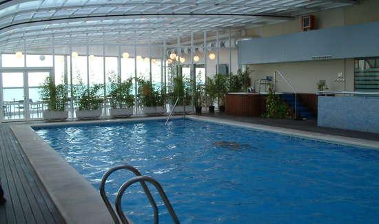 Escapadas fin de semana relax alicante con 1 acceso a la for Precio piscina climatizada