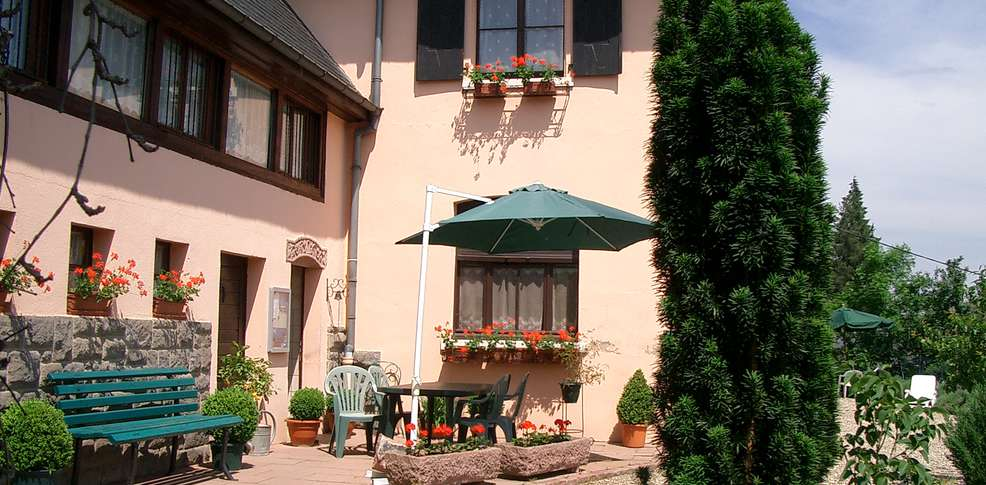 H tel chambre d 39 h tes la montagne verte h tel de charme - Difference entre gite et chambre d hote ...