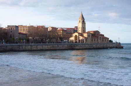 Escapada a Gijón con cena típica Asturiana