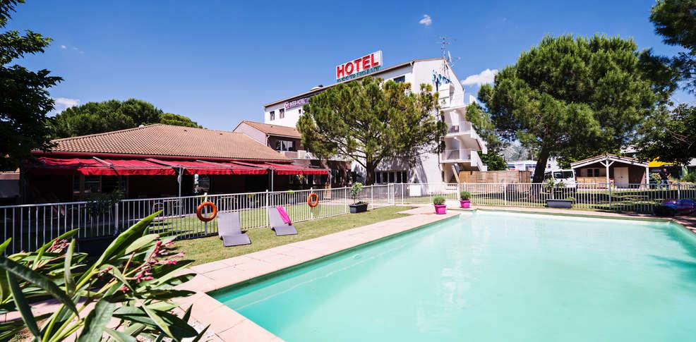 Inter hotel le relais d 39 aubagne h tel de charme aubagne 13 for Reservation hotel pas chere